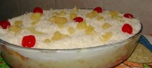 Bolo-gelado-de-pirex-com-creme-de-leite-ninho-604x270