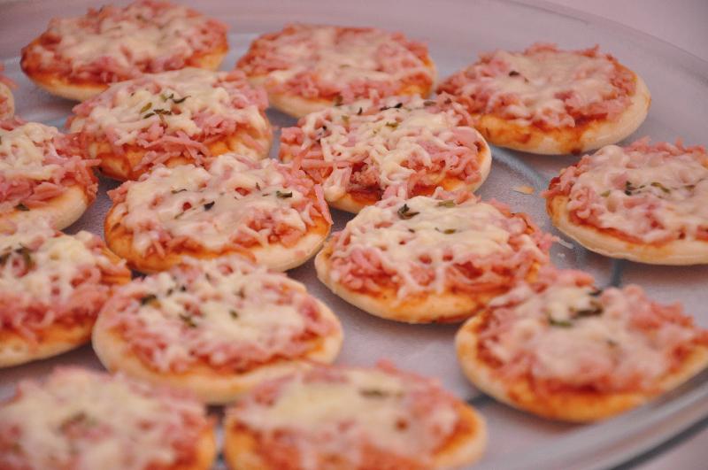 receita-facil-de-mini-pizza-cremosa