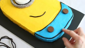 Despicable-Me-Minion-Sheet-Cake_23
