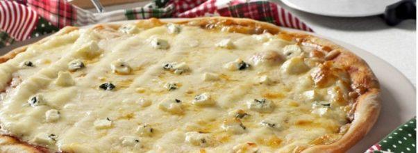 Pizza 4 Queijos Caseira