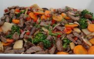 Iscas De Carne Com Legumes